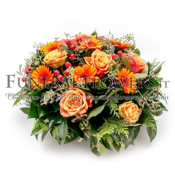 Composizione funebre di fiori arancio