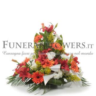 Ciotola funebre di fiori rosso e arancio
